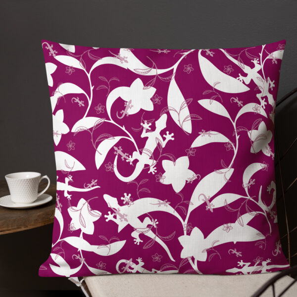 Pillow-Lizards-High-Contrast-Berry