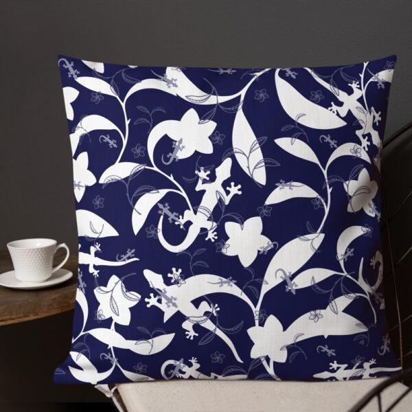 Pillow-Lizards-High-Contrast-Navy